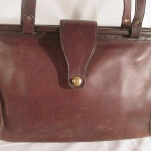Coach Handbags - Vintage COACH 9896 BARCLAY Leather Turnlock